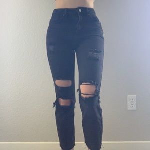Brand new Pacsun black ripped mom jeans 🍑